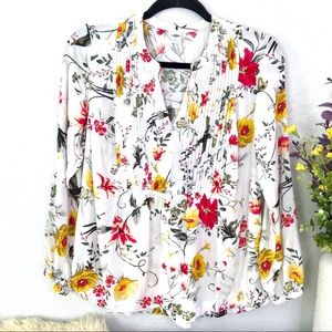 Old Navy floral pintuck popover peasant blouse